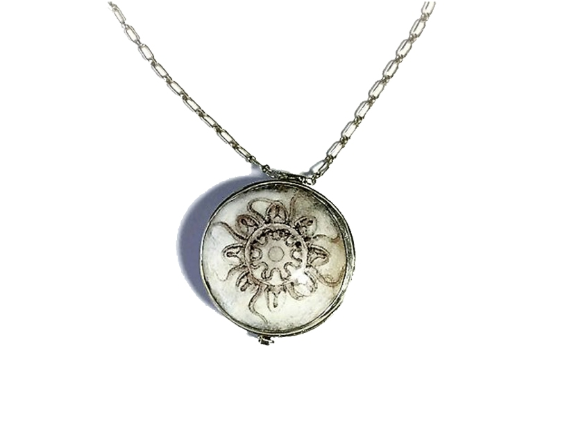 fossil locket pendent-Darlington